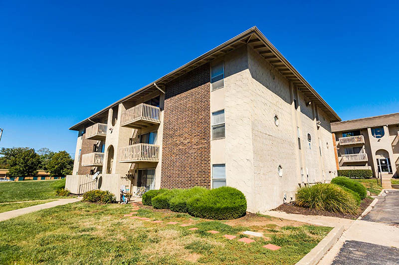 apartments near cerner - shadow creek 2